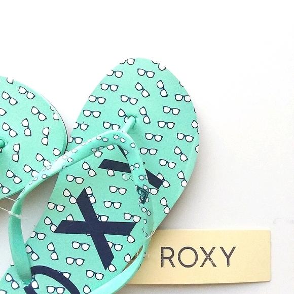 Roxy mint green sunglasses flip flop sandals